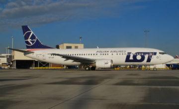 Boeing737-400_PLLLOT.jpg